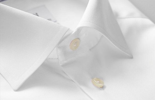 Cutaway krave på herreskjorten